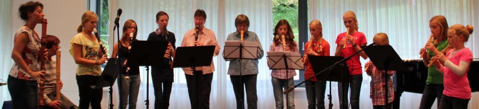 Gruppe Musiker in einer Reihe